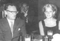 С дочерью Эллен в 1966 г. в Испании
